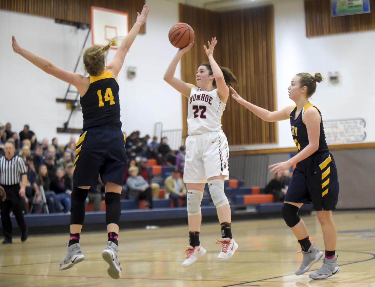 Monroe vs City Christian Girls Basketball 01