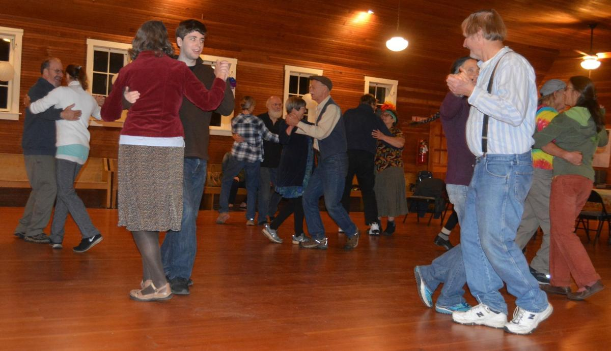 Wren square dance
