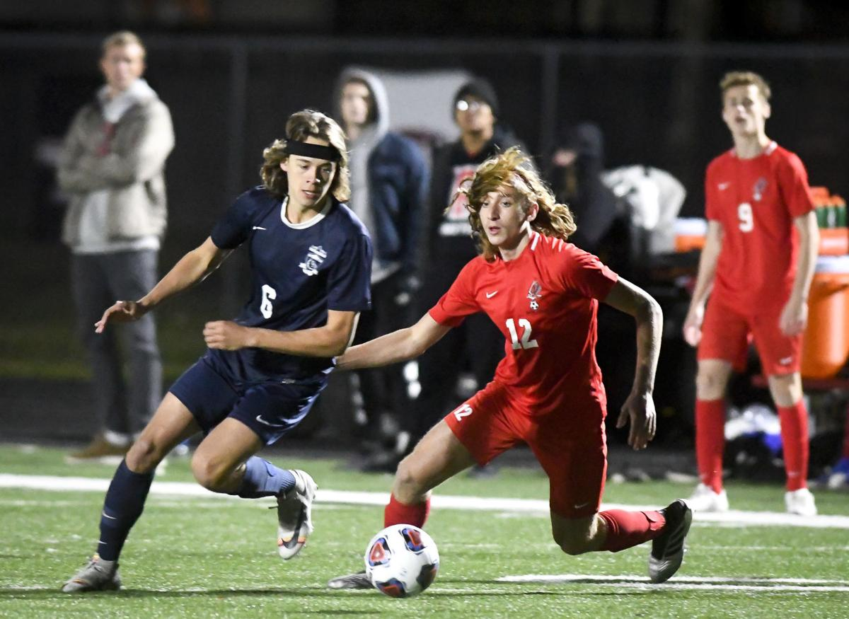 Gallery: SAHS vs WAHS Boys Soccer 01