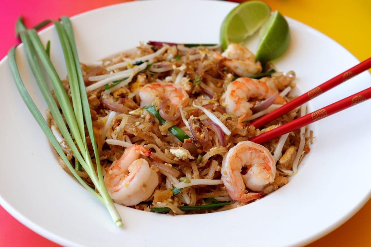 FOOD-PAD-THAI-1-SL
