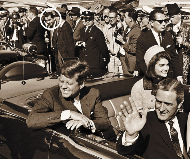 JFK photo with Theron Burgess in crowd, in circle