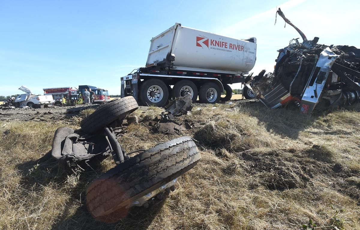 Two die in Highway 34 wreck west of Tangent | Local | gazettetimes com