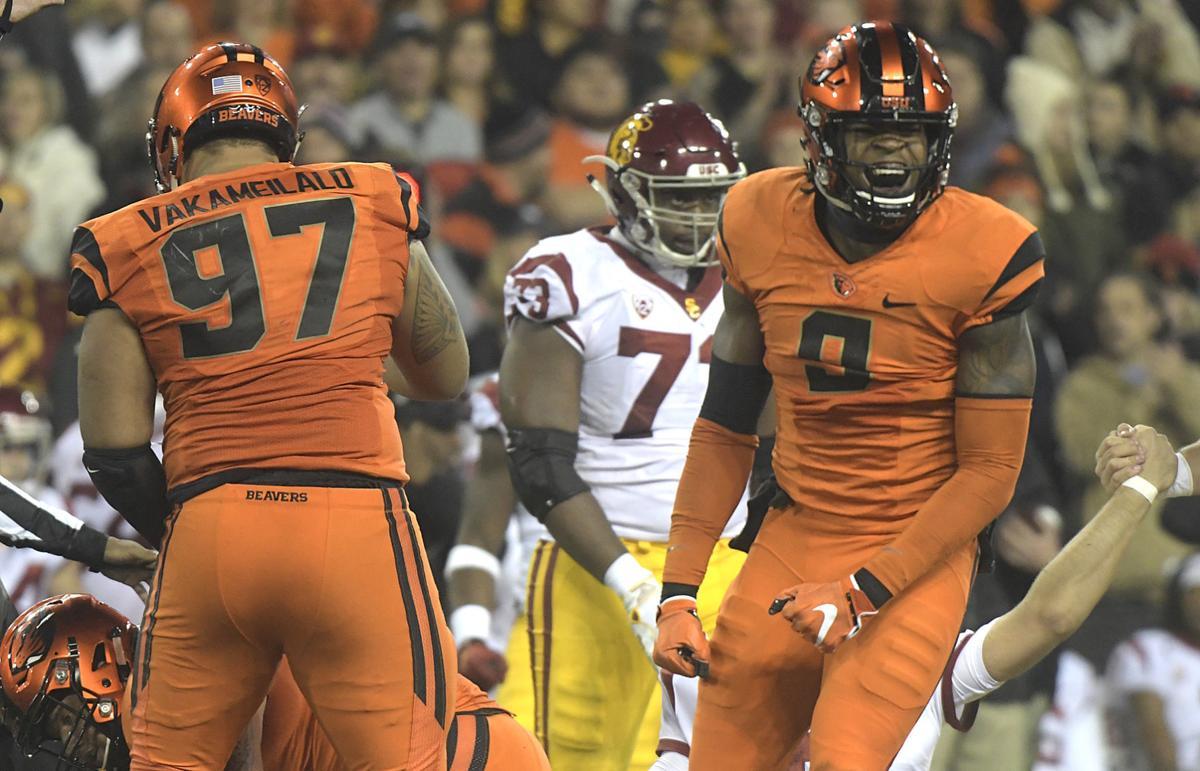 Beavers vs Trojans Football13-my