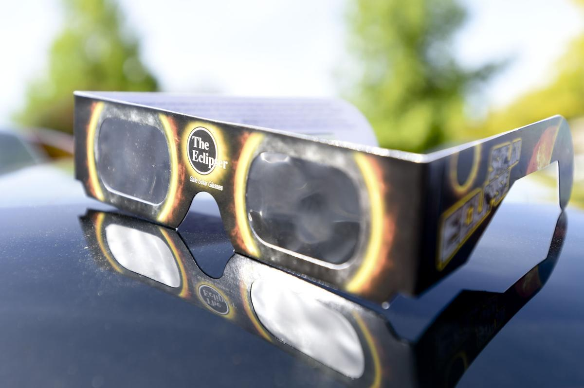 Eclipse damage doctors can 39 t help local for What happens if you don t wear solar eclipse glasses