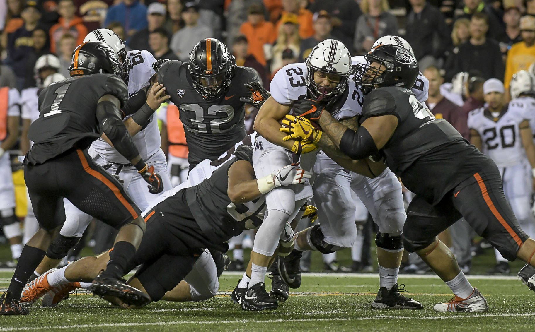 Minnesota rolls Oregon State as Beavers fall to 0-3