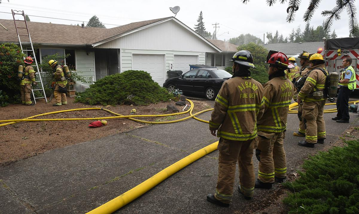 061416-adh-nws-22nd Ave Fire02-my