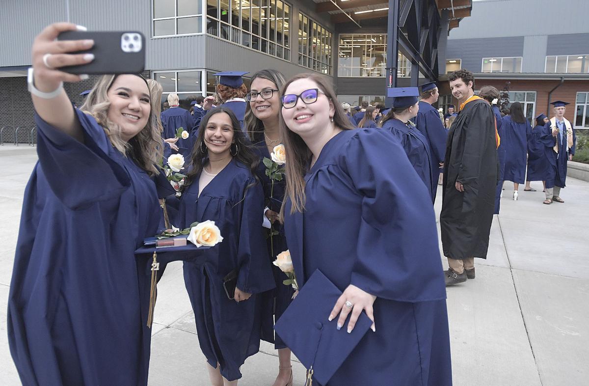 061121-adh-nws-West Albany graduates02-my