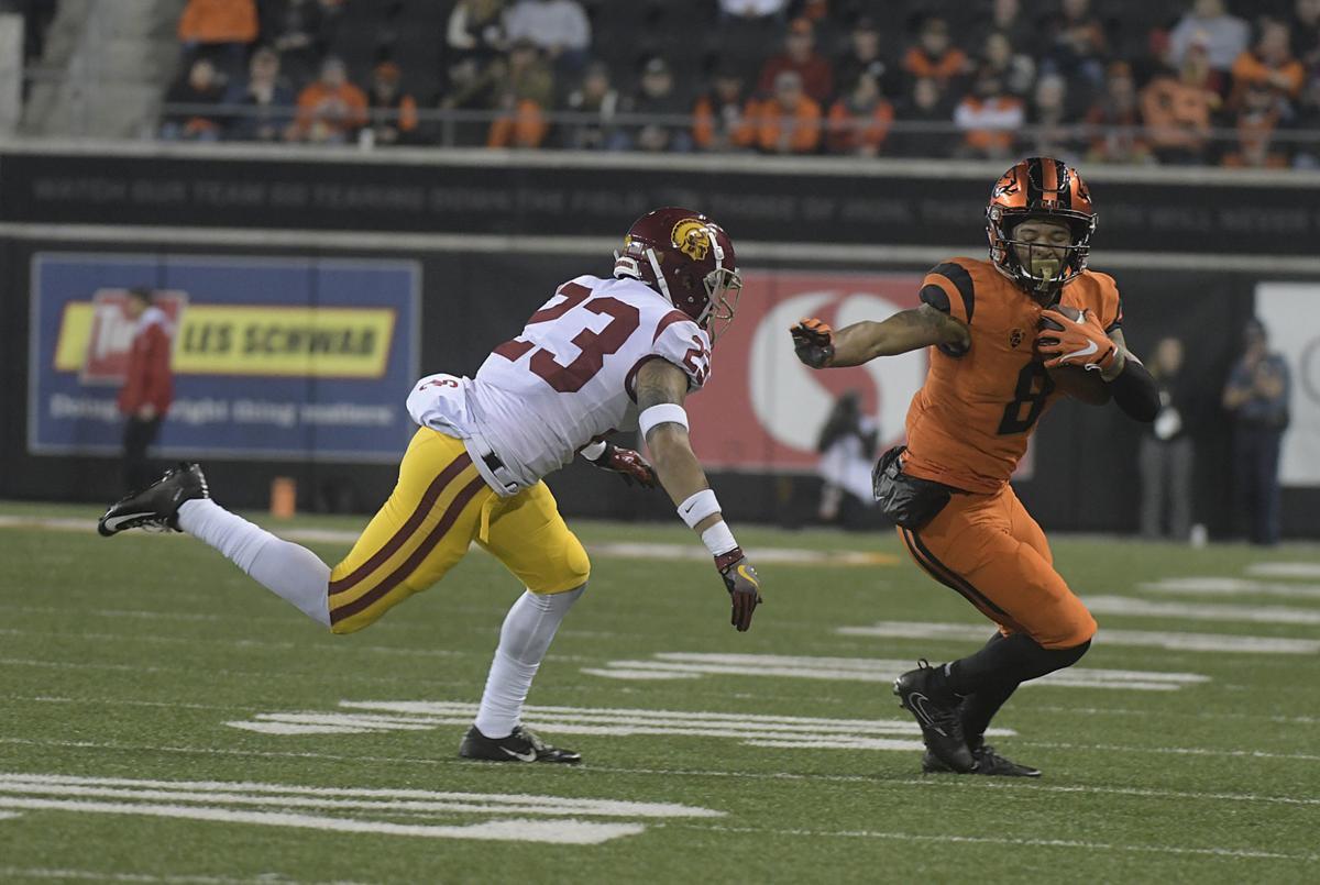OSU Beavers vs Trojans Football26-my