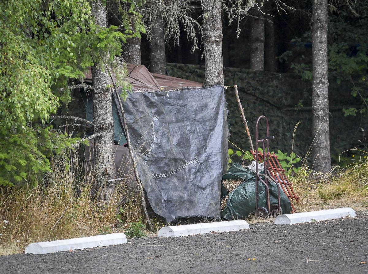 Church homeless camp 02