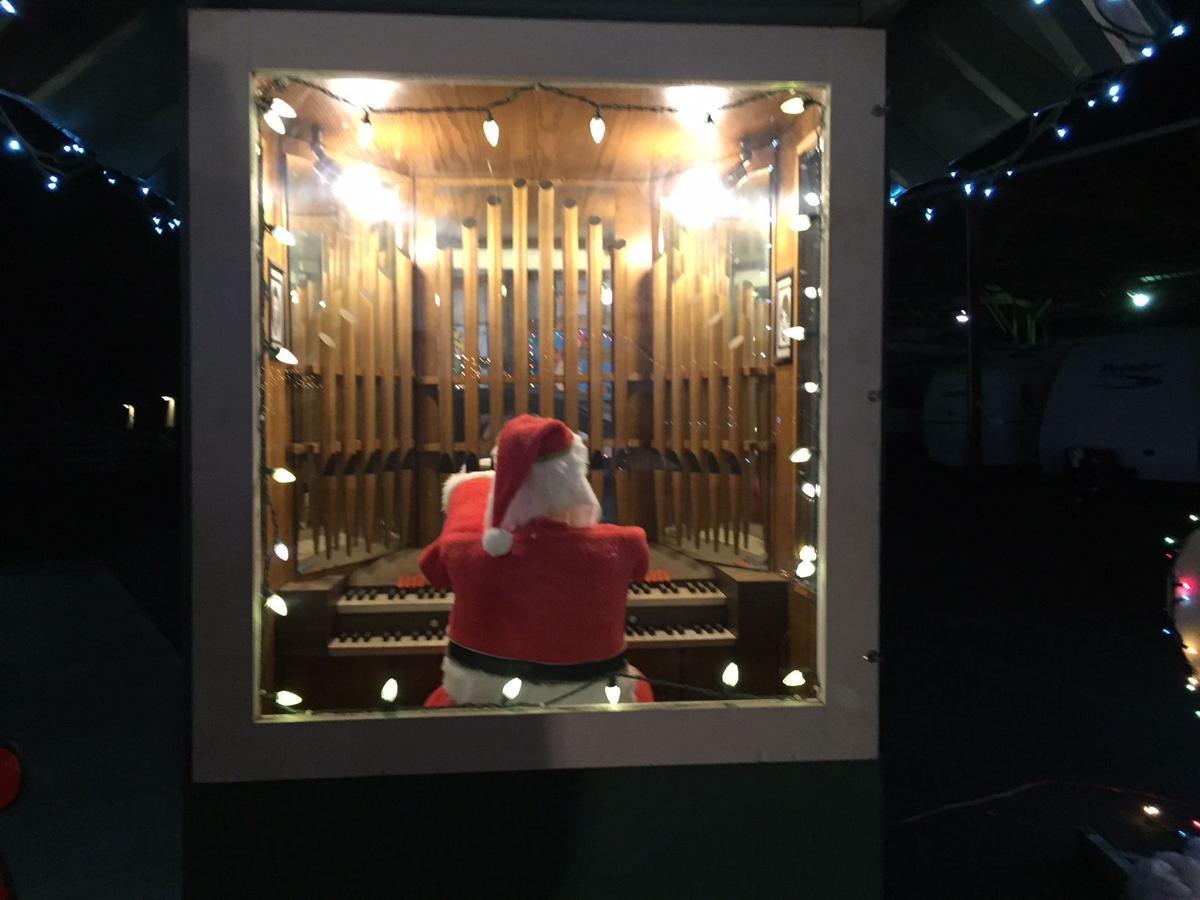 Santa Organ 12-24-17