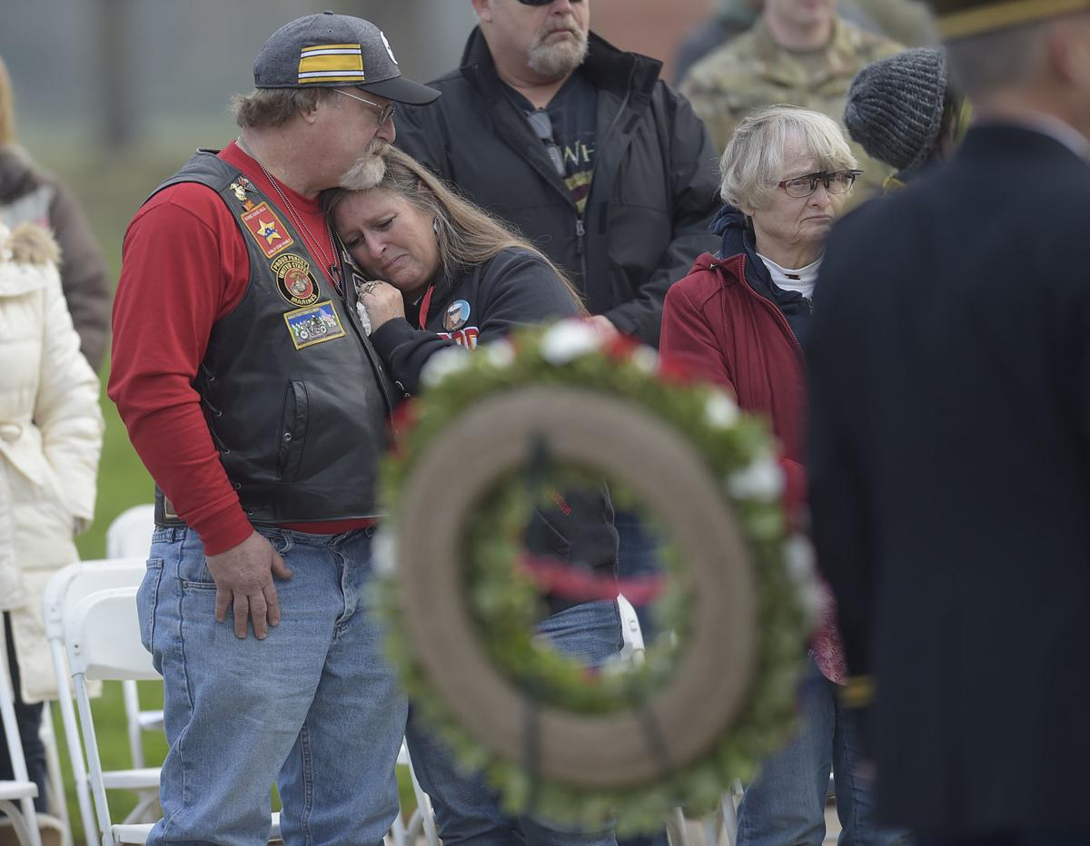 111118-adh-nws-Veterans Memorial Service01-my