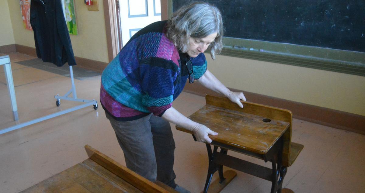 Independent School: Old desks