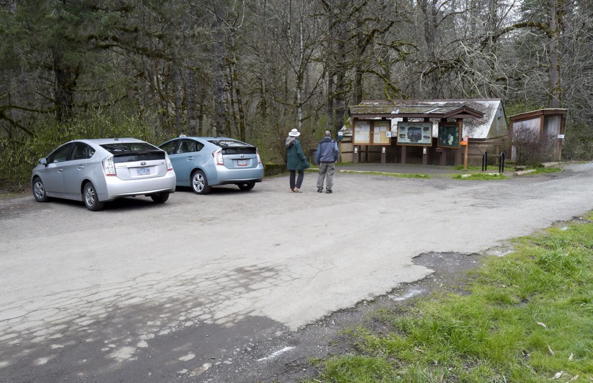 Oak Creek Trailhead 02