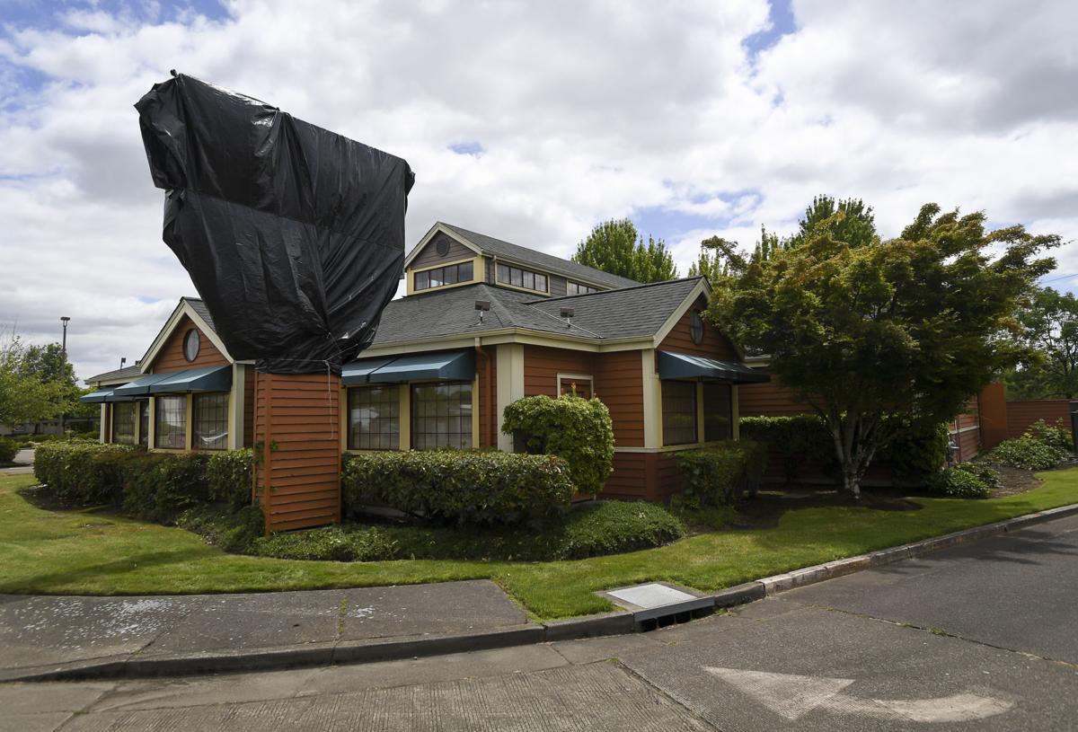 McGrath's Fish House Closed 01