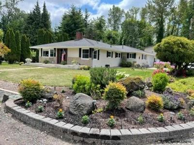 3 Bedroom Home in Albany - $524,900