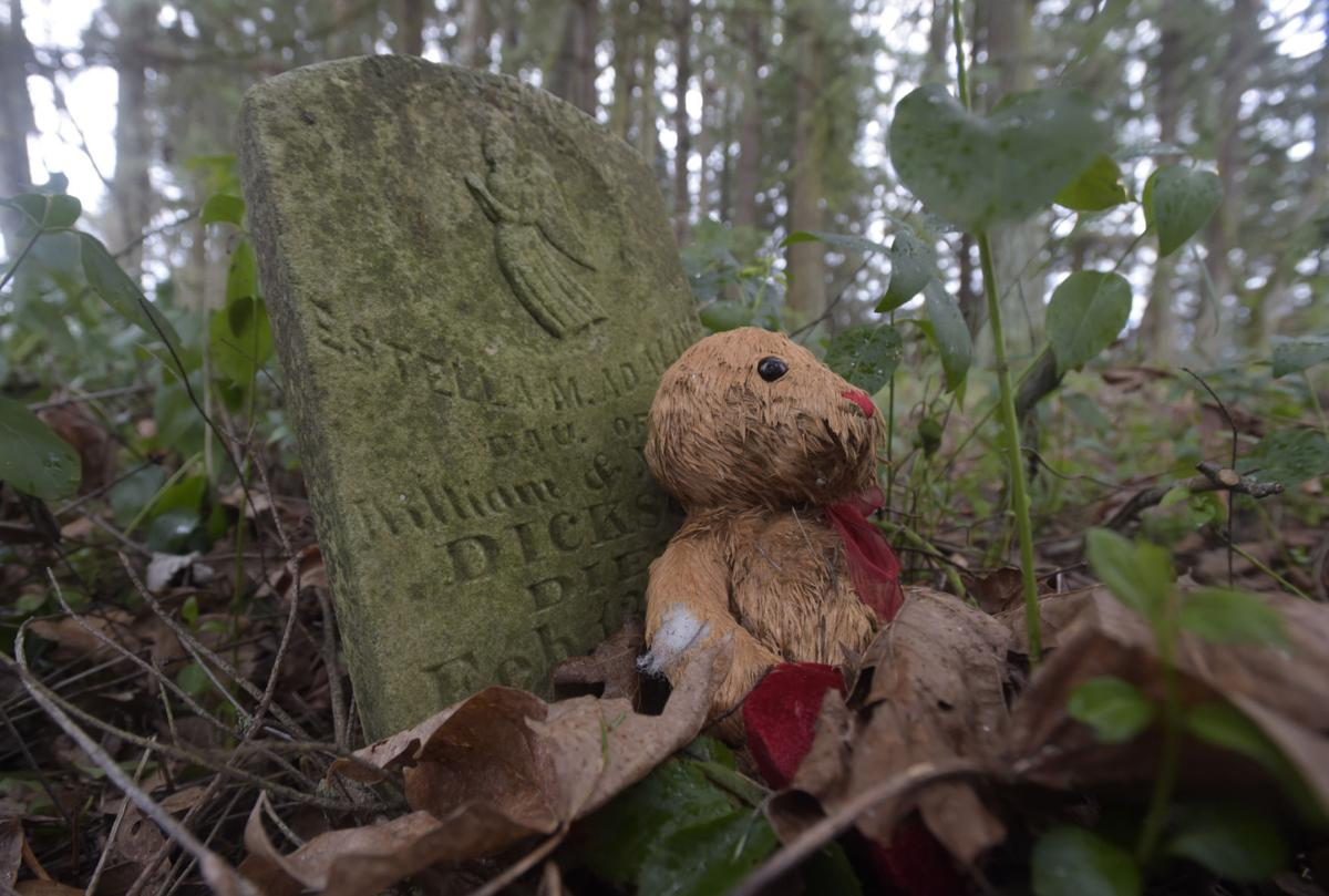 Gingles Cemetery02-my