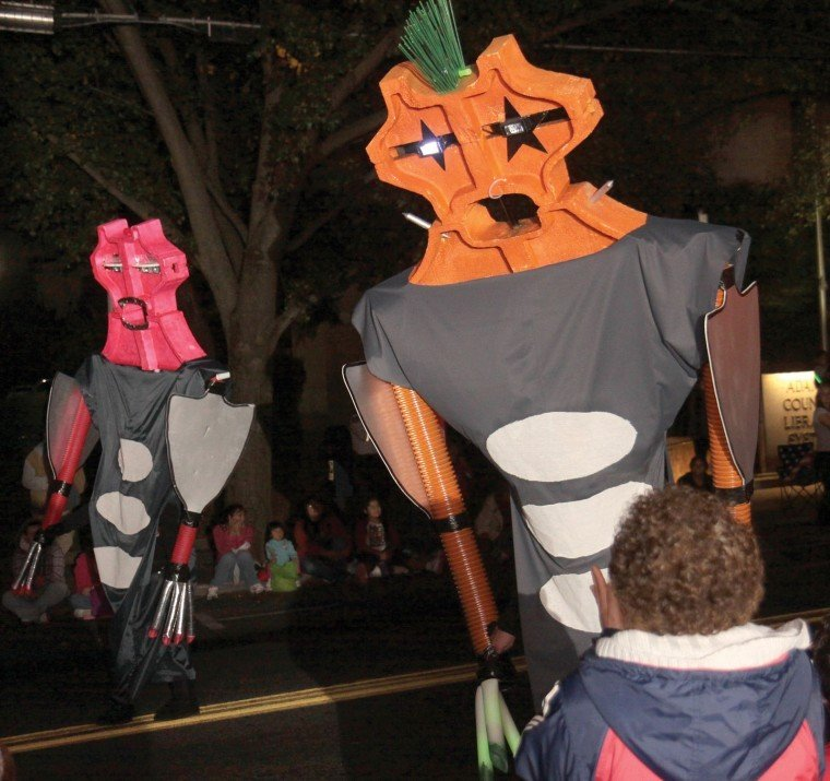 annual halloween parade marches through gettysburg
