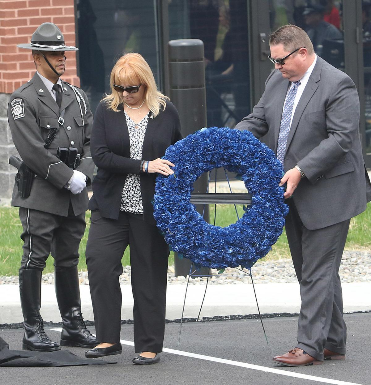 Wreath placed at memorial