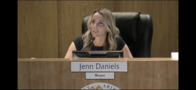 Daniels resigns from mayor's post