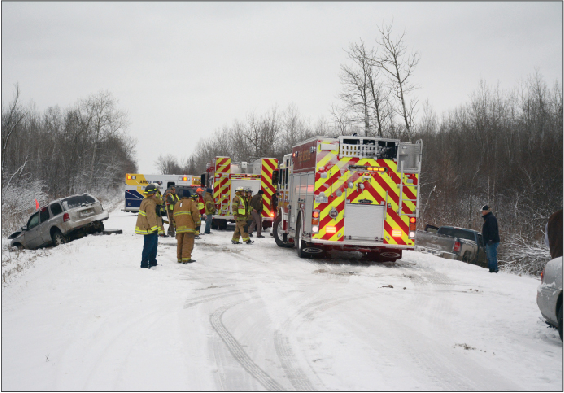 Early snow storm leads to three-vehicle accident | News | gladwinmi com
