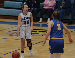 Gladwin Varsity Basketball improves 4-1 in the conference