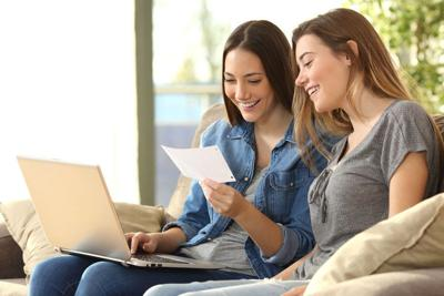 Roommates checking bank mails on line
