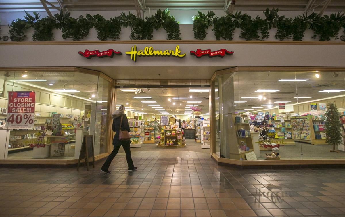 Hallmark Store in Southbridge mall to close at end of May