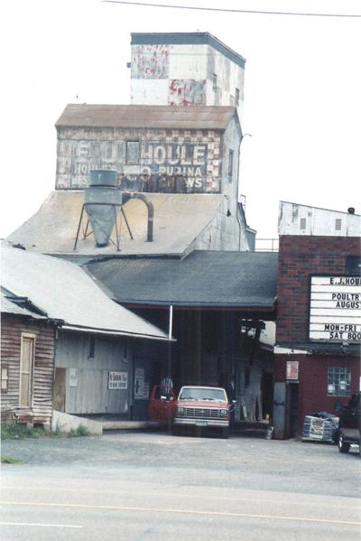 Houle's Feed Mill in Forest Lake