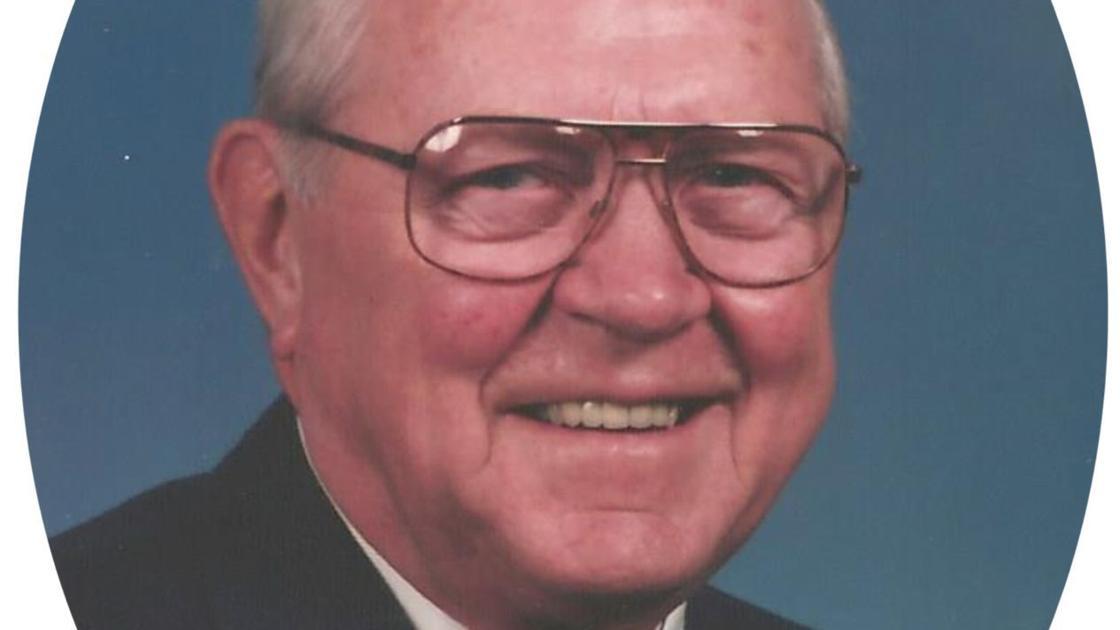 Wallace Maynard Felland, Guttenberg, formerly of Forest City - Mason City Globe Gazette