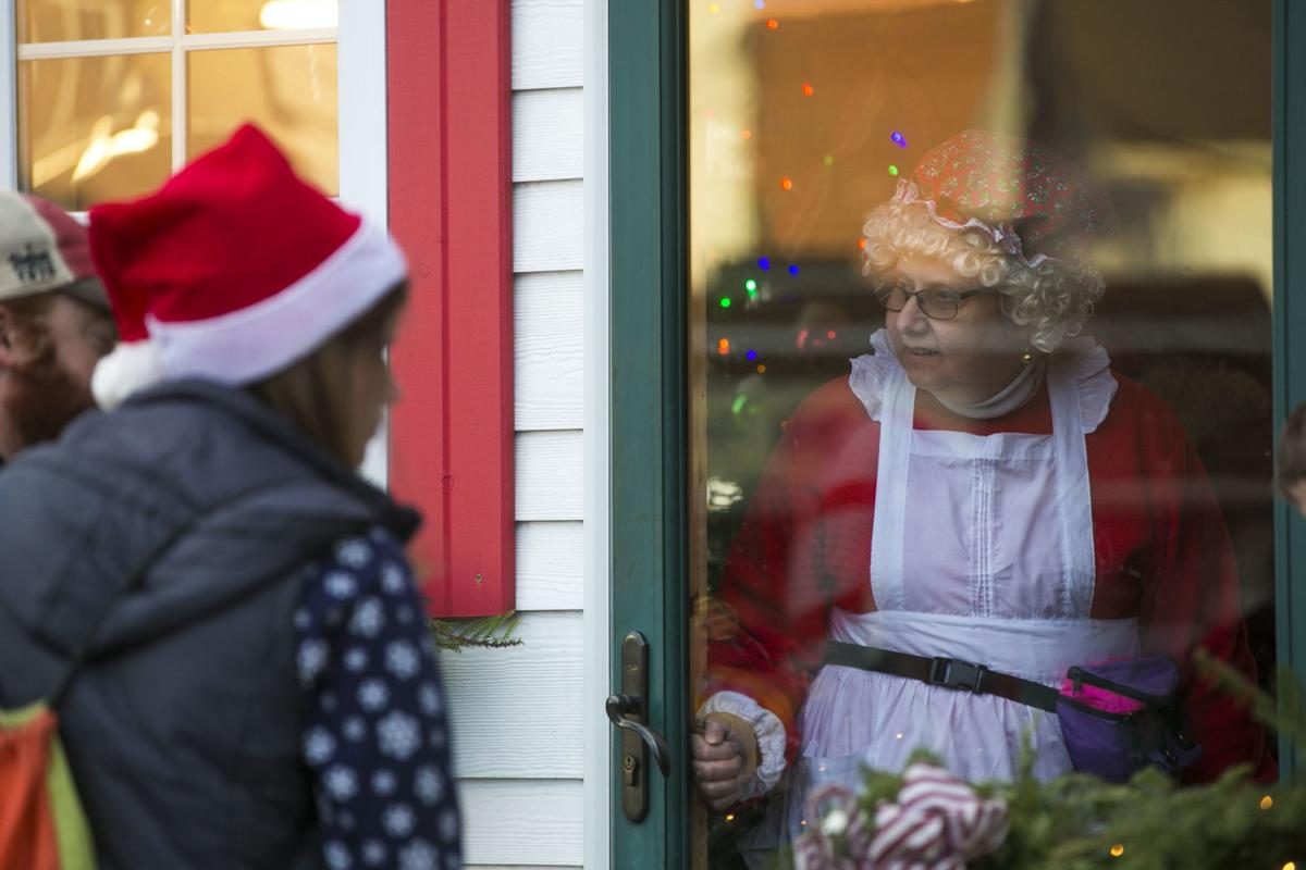 Christmas By The Lake Event Clear Lake, Iowa, 2020 Holiday tradition in Clear Lake: Christmas by the Lake is this