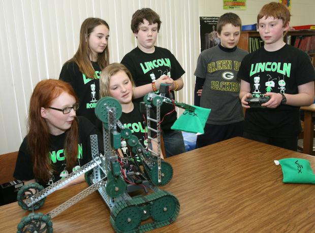 Lincoln Robotics team