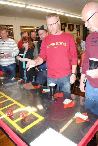 4 pics 1 word gambling machine