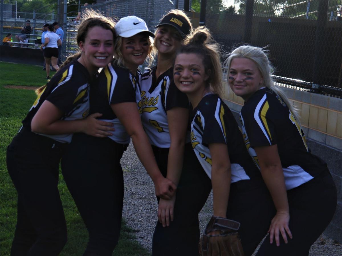 Clear Lake softball group photo