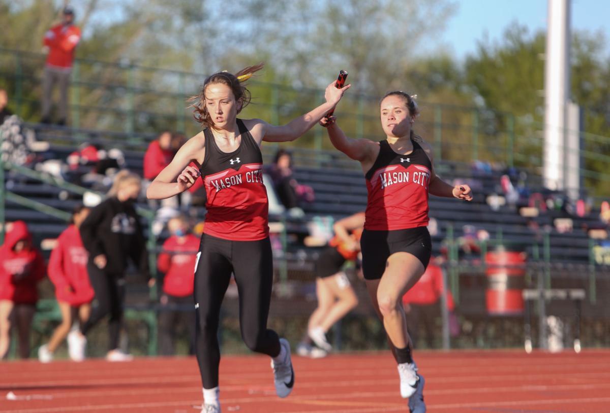 Mason City girls track Makenna VanSyoc - relay-1.jpg