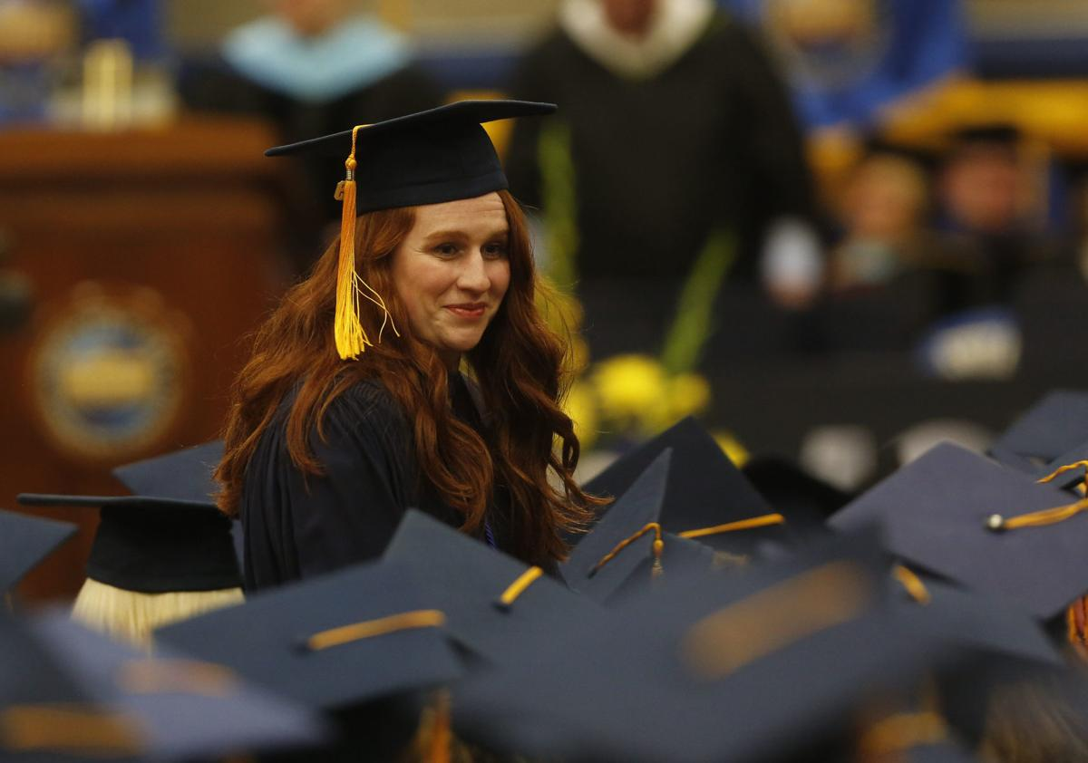 NIACC recognizes over 825 graduates at commencement | Mason