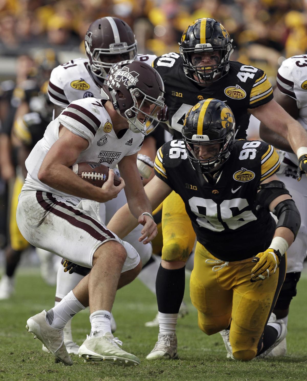 Iowa football: Hawkeyes seniors show underclassmen how it ...