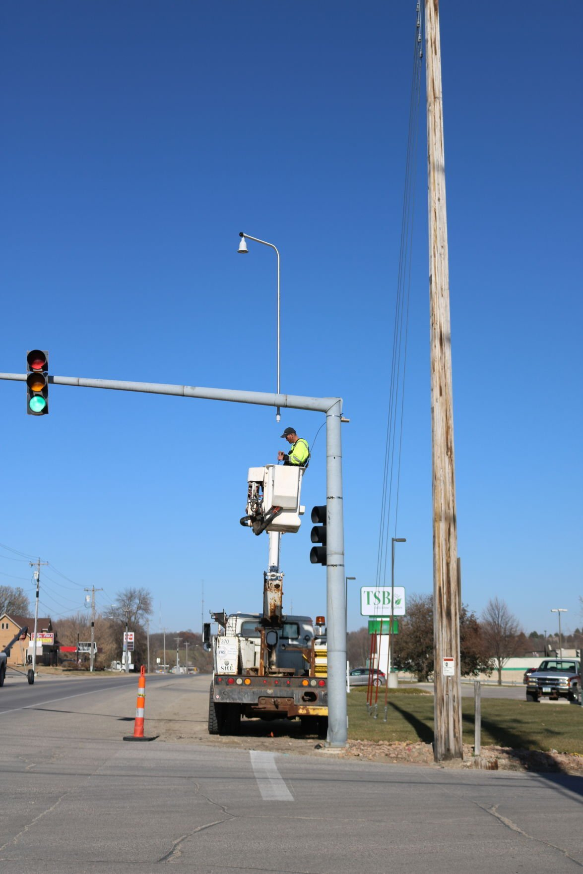 New stoplight, camera in Forest City