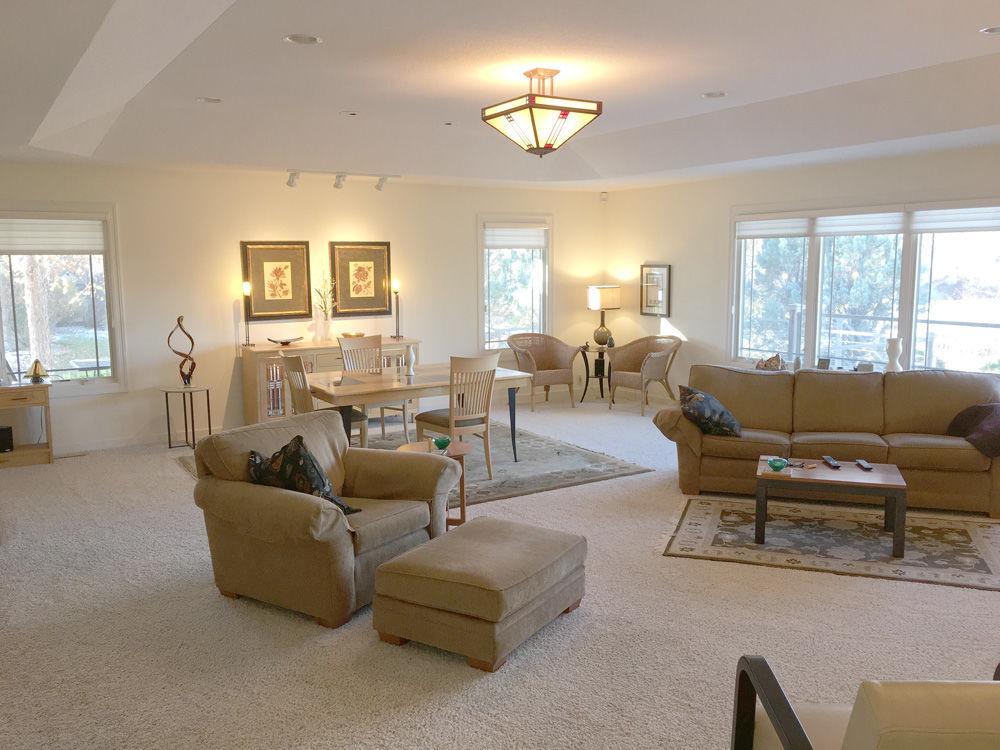 80 Pebble Creek-living room