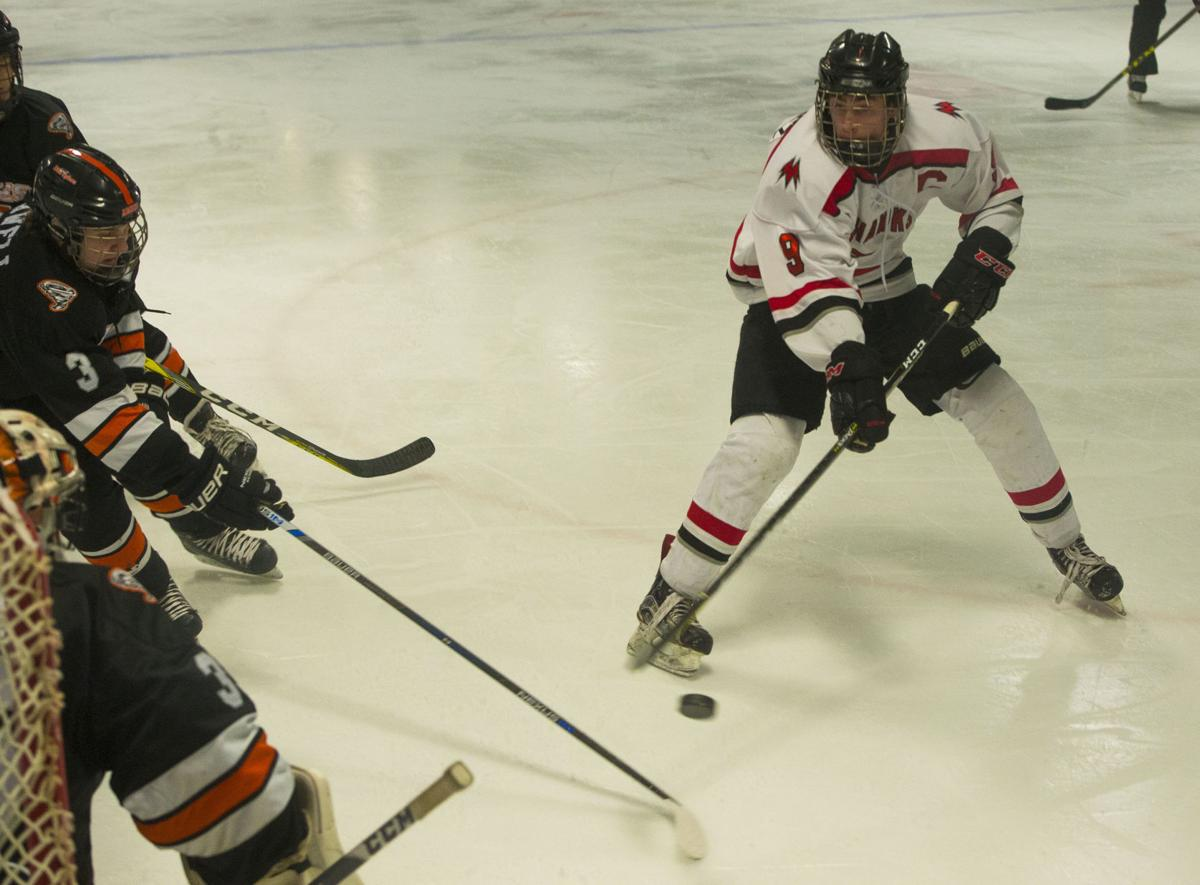 Hockey Mohawks vs. Ames 7