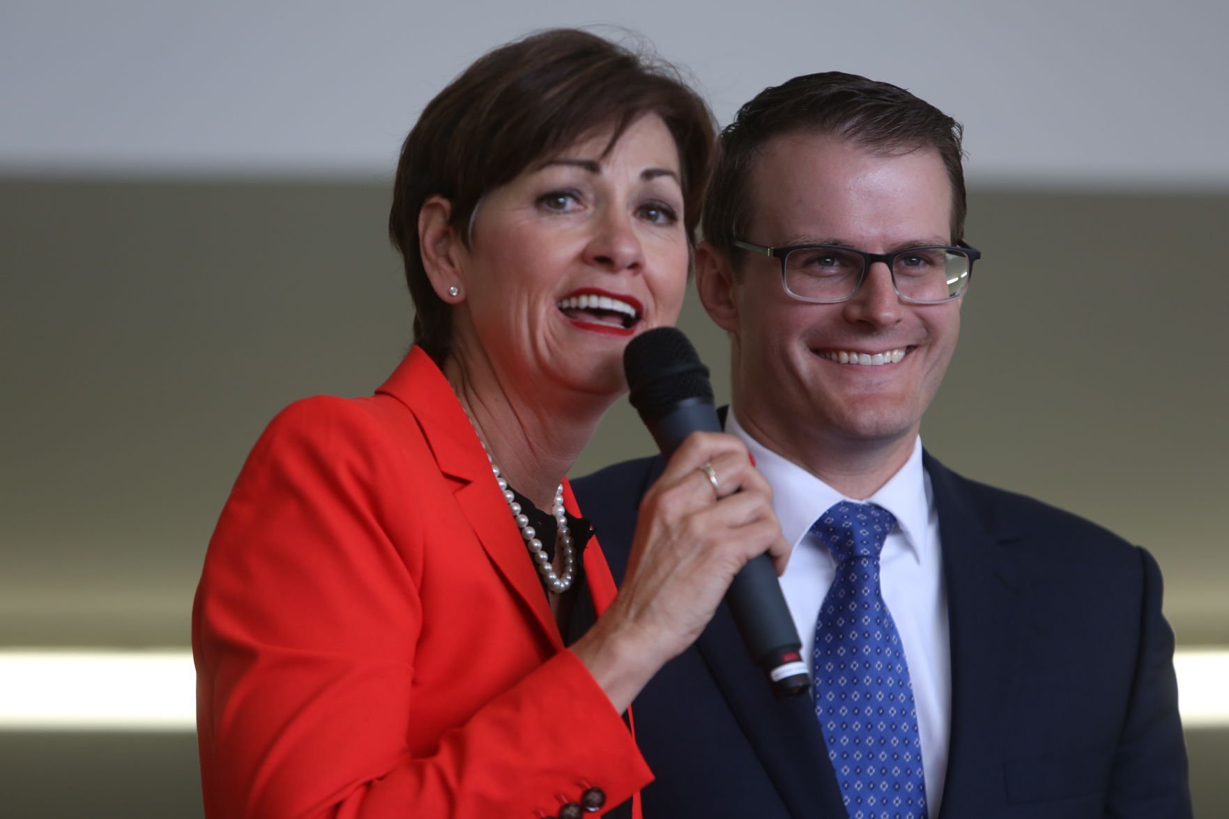 Reynolds defends private jet use, says she may do it again