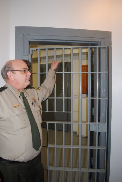 Peterson inside jail cell photo