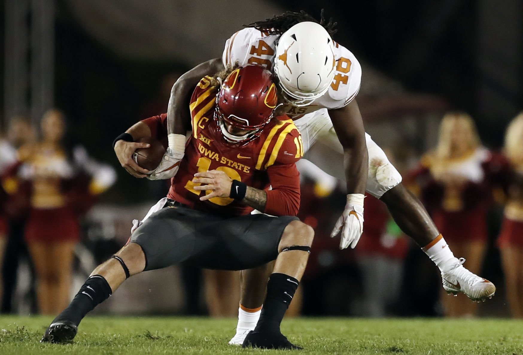 Tom Herman, Texas score first Big 12 victory by outlasting Iowa State