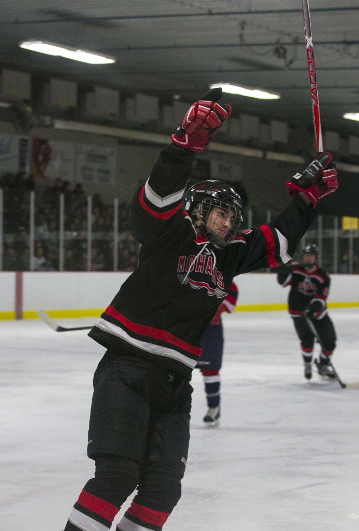 Hockey Mohawks vs. Waterloo 3