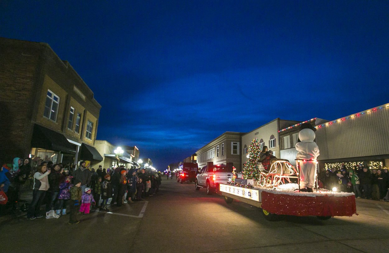Christmas By The Lake is Dec. 2-4 at Clear Lake | Local ...