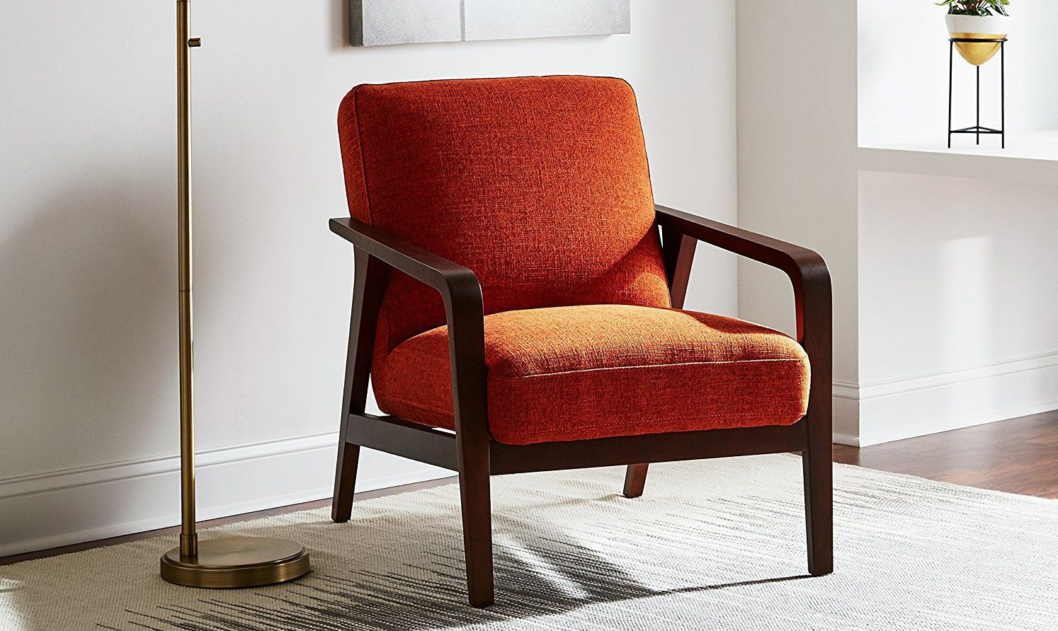 4 Sleek Accent Chairs For Mid Century Modern Living Rooms