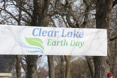 Annual Earth Day run in Clear Lake draws large crowd