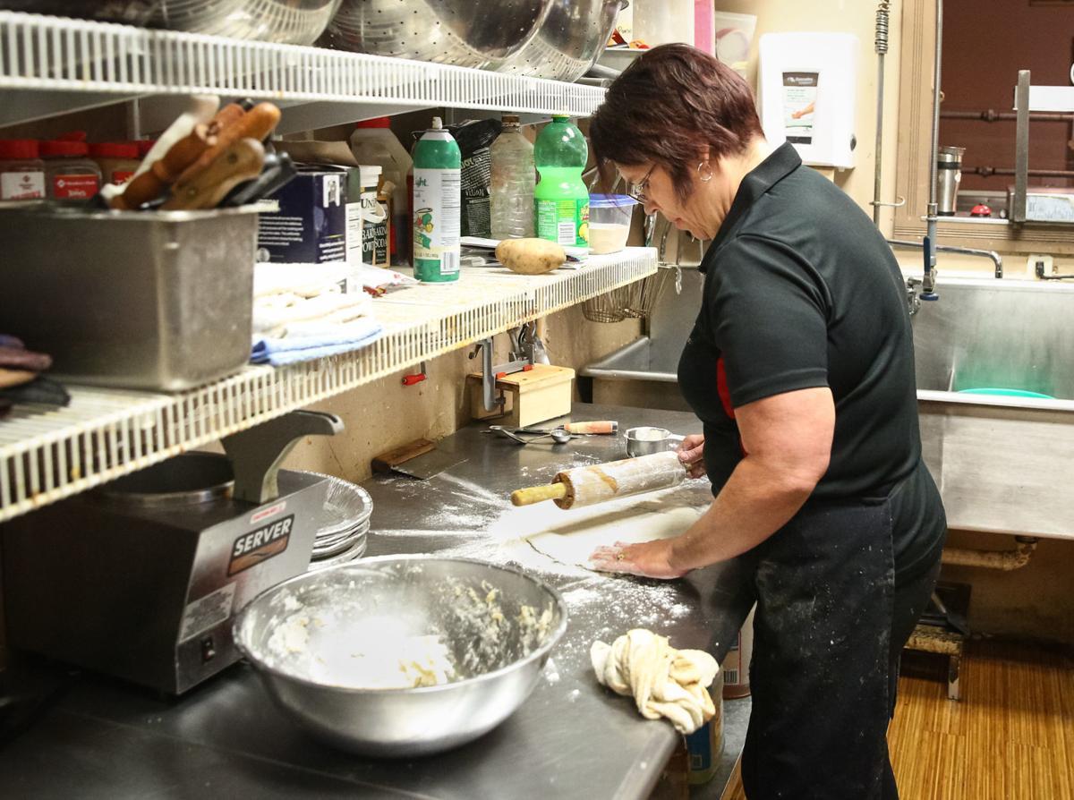 GG's Restaurant - pie making