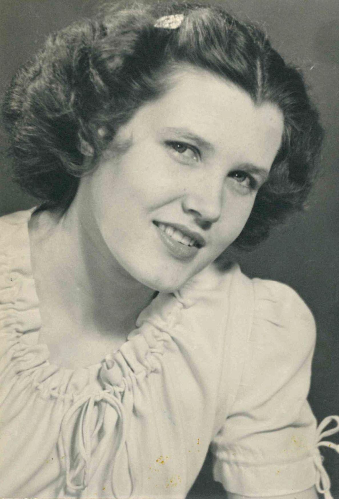 Barbara Gasaway bw
