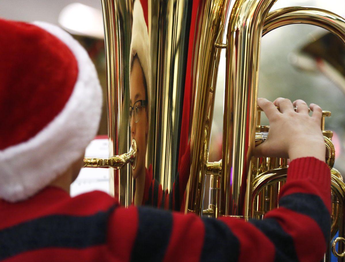 Tuba Christmas.Photos Tuba Christmas News For Mason City And North Iowa