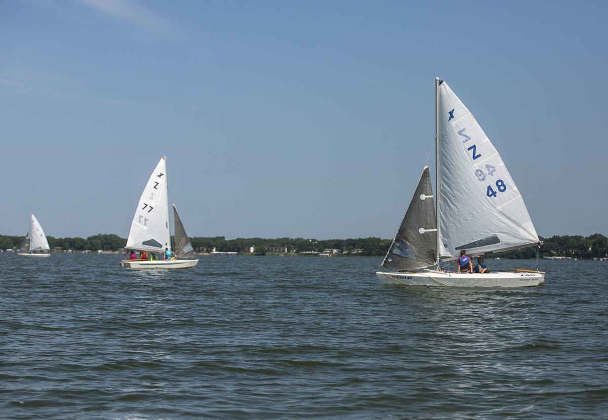Yacht Club 1